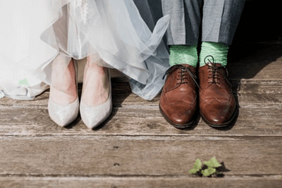 結婚式の新郎新婦の足元ファッション