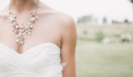 ウェディング_ウェディングドレスを着た花嫁の姿